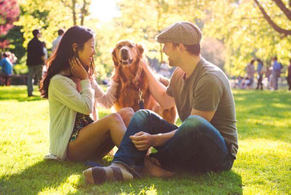 couple-with-dog